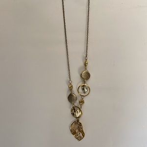 Gold leafy necklace